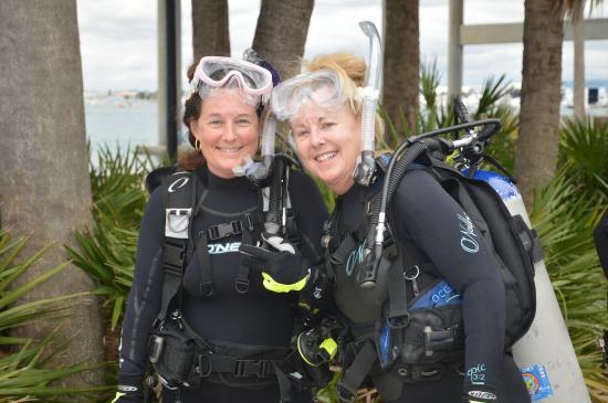 Jupiter Scuba Diving: Dive Buddies (Sisters)