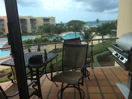 Oceania Residences: patio