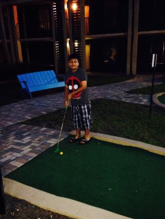 Doubletree by Hilton Orlando at SeaWorld: Mini golf