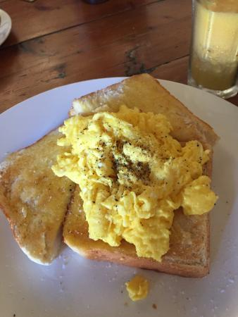 Butcher Shop Cafe: My delicious scrambled eggs on thick cut toast!
