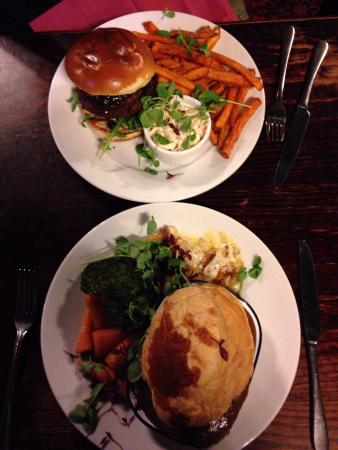 Stable Bar: Steak pie and venison burger to die for :) amazing!!