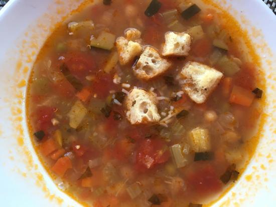 Lia's: Minestrone soup