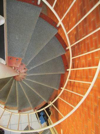 Shelly Beach Resort: Spiral staircase