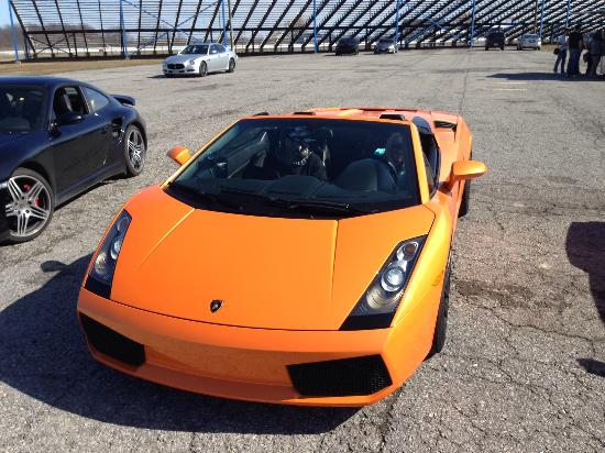 Cayuga, Canadá: You can drive the Lamborghini at Toronto Motorsports Park