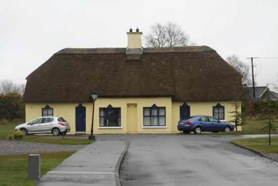 Old Killarney Cottages: Rental Cottages, Killarney, Ireland
