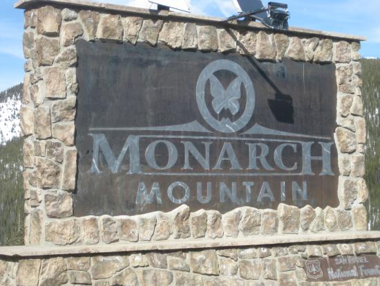 Monarch Mountain: highway entrance