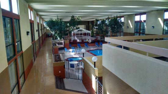 BEST WESTERN Sally Port Inn & Suites: pool