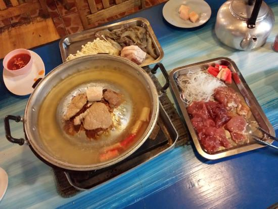 Khon Kaen Buffet BBQ: Beginning of the BBQ