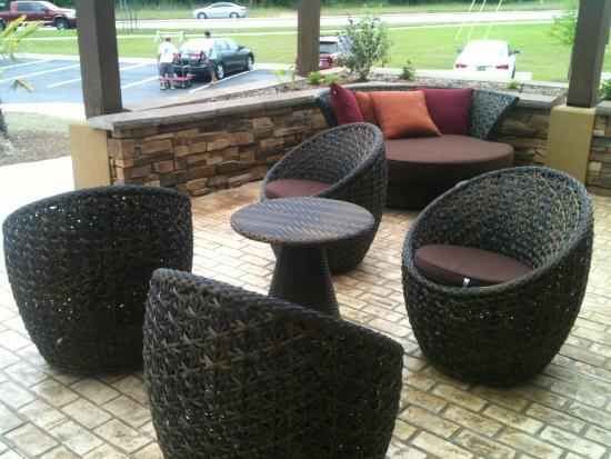 Comfort Suites Dothan: cozy area, fresh air relaxation space