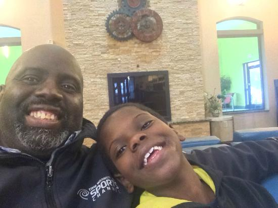 Comfort Suites Buffalo : Dad and son bonding.