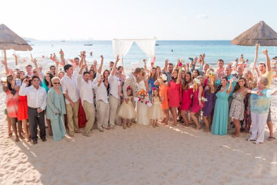 Dreams Sands Cancun Resort Spa The Whole Group 4 15 Wedding