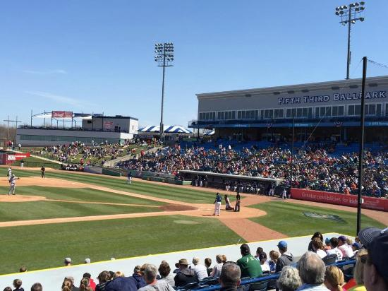 Comstock Park, MI: Whitecaps Game in April
