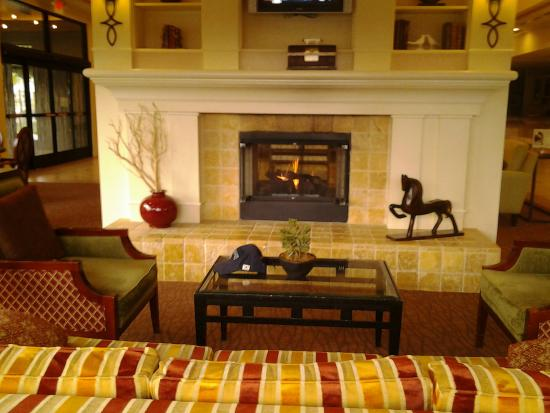 Hilton Garden Inn Phoenix/Avondale: lobby looked lovely