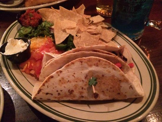 Lucky's 13 Pub : Steak tacos
