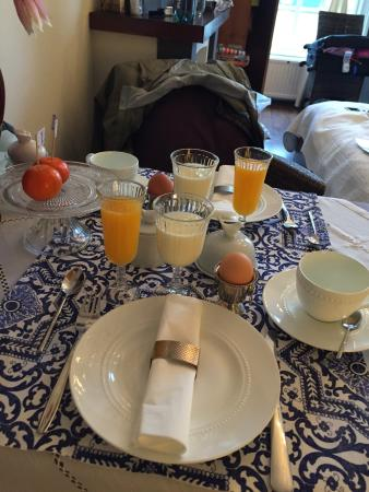 Vondel View B&B: Breakfast in our room