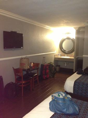 Hotel Salina Long Beach : Room from the side