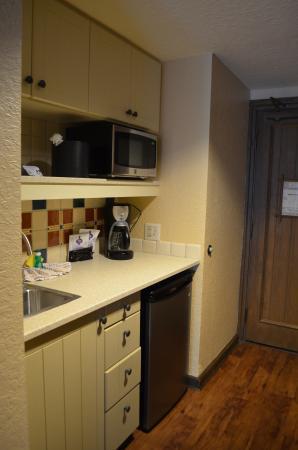 Studio Kitchen - Picture of Boulder Ridge Villas at Disney\'s ...