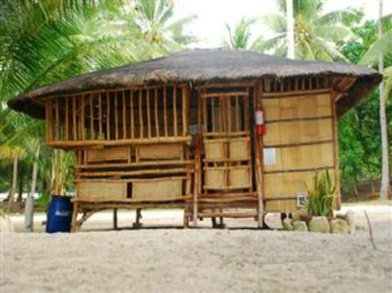 Glan, Philippines: Suite Room with comfortroom & airconditioner