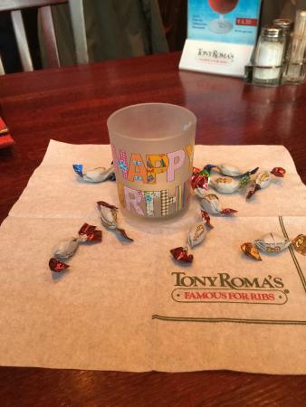 Tony Roma's: We had a birthday :)