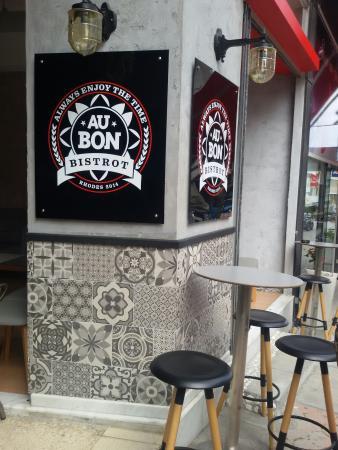 Au Bon Cafe