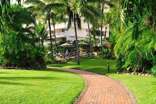 Whitsunday Apartments Hamilton Island: Gardens and Grounds