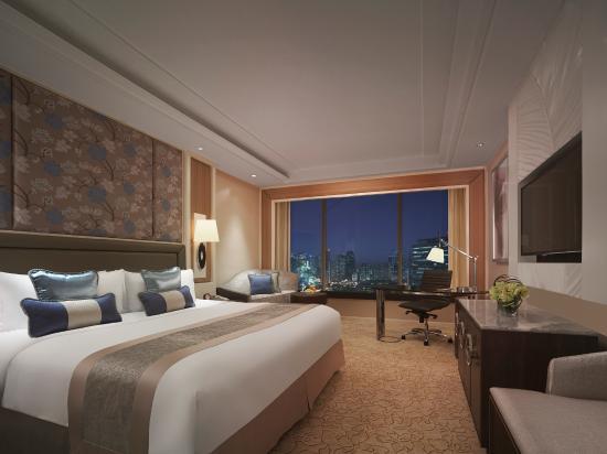 Edsa Shangri-La: Tower Wing Deluxe King Room