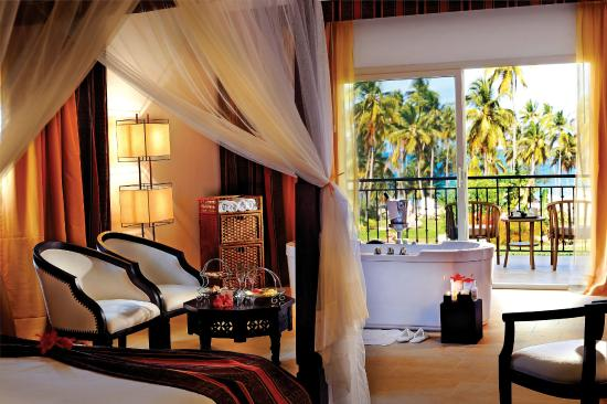Dream of Zanzibar: Junior Suite with Jacuzzi