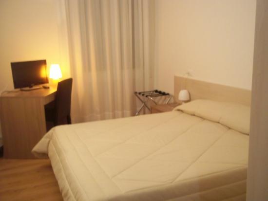 Hotel Gronda Lagunare : camera matrimoniale