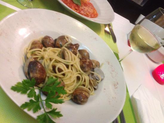 Take Eat Easy Quality Food: Spaghettis aux palourdes