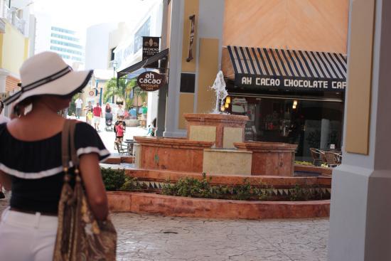 Ah Cacao Chocolate Café: Вход