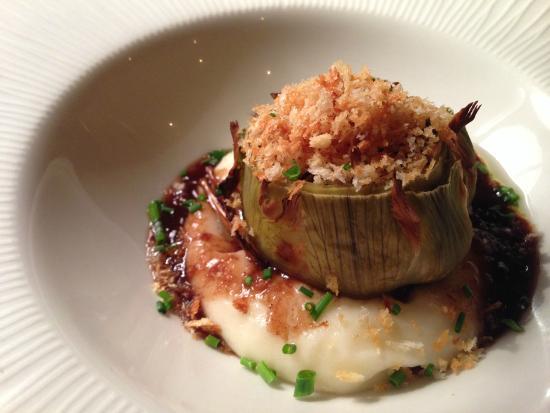Restaurant DAS 1219: Corazón de alcachofa relleno de butifarra