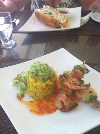 Ocean Terrace Restaurant: Prawn kebab for lunch