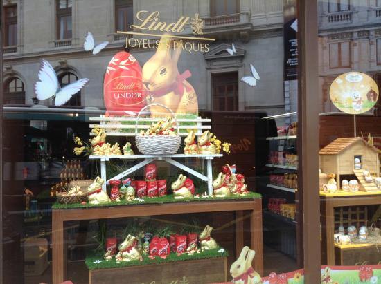 Photo of Tourist Attraction Boutique Lindt Paris Opera at 11 B Rue Scribe, Paris 75009, France
