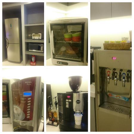 CityInn Hotel - Taipei Station Branch II : Kitchen/Pantry area