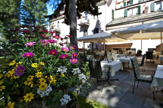 Parkhotel Margna: Gartenterrasse