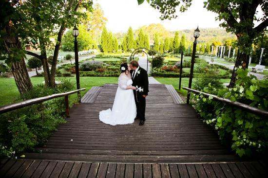 Valverde Country Hotel: Wedding Couple on the renaissance deck