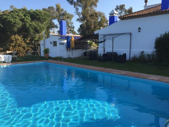 Casa Grande Casa Rural : vue de la piscine