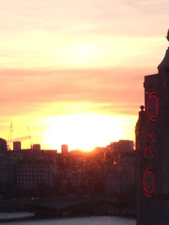 Sea Containers London: Sunset from our room 14th floor
