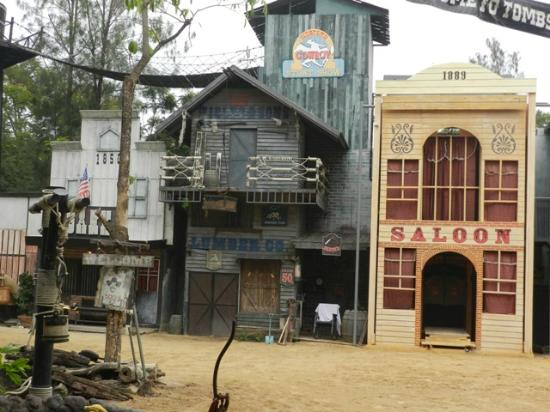 Grand Howrd Hotel : Western Cowboy Show at Safari World Bangkok