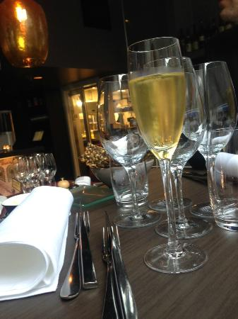 Magnus & Magnus: Ett glas prosecco innan maten (ingår ej i något dryckespaket)