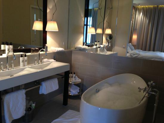 picture of hotel zoo berlin berlin tripadvisor. Black Bedroom Furniture Sets. Home Design Ideas