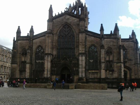 St Giles Apartments: st giles cathedral