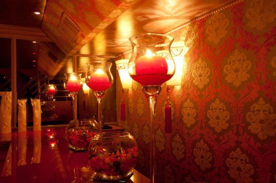 Les Chandelles Paris Restaurant