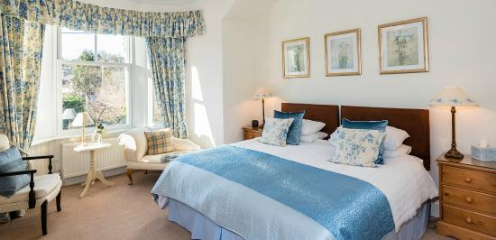 Dunmurray Lodge: Murray Suite ( two bedrooms sharing ensuite) Double or Twin