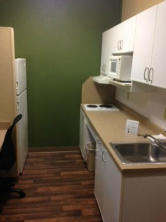 Extended Stay America - Rochester - Greece: Kitchenette