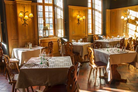 L'Ancienne Douane : salle de restaurant-bar