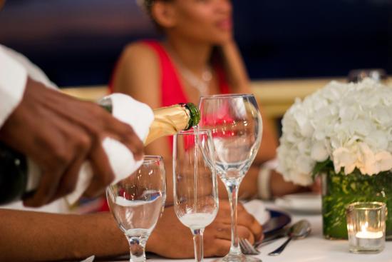 Hi Tide Restaurant at Bay Gardens Beach Resort: Exceptional Service 2