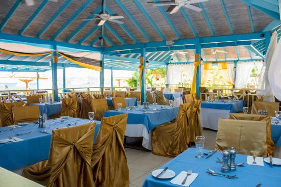 Hi Tide Restaurant At Bay Gardens Beach Resort