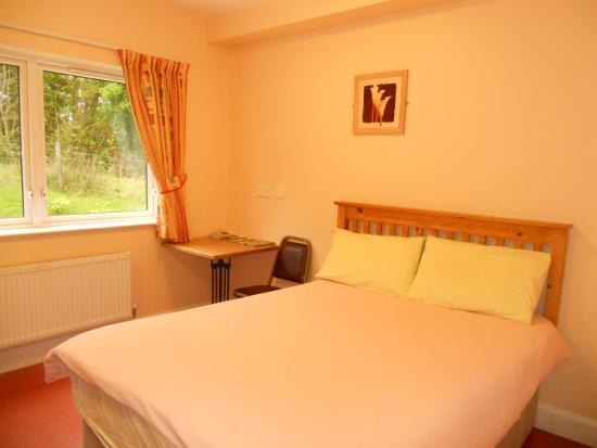 Tullyarvan Mill Hostel: Double Room with en-suite