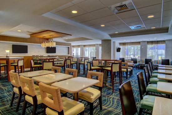 SpringHill Suites Boca Raton : Enjoy our complimentary hot breakfast daily.